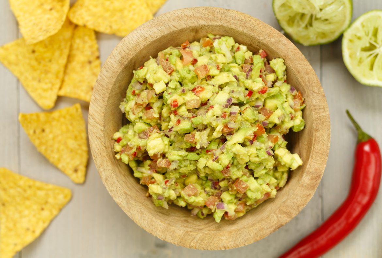 Verwonderend Zelf guacamole maken - Borrelhapjes en sausjes recept | SmaakMenutie GD-88