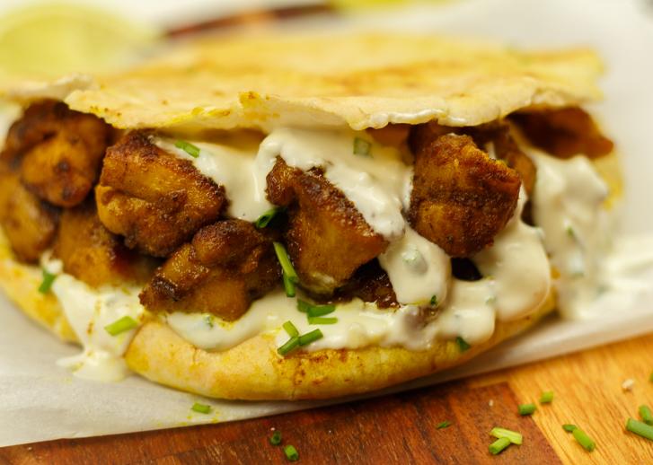 Pita kipshoarma met overheerlijke kruiden