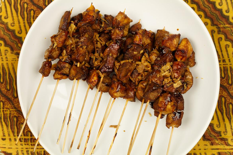 kipsaté zelf maken in ketjap marinade Familie over de kook