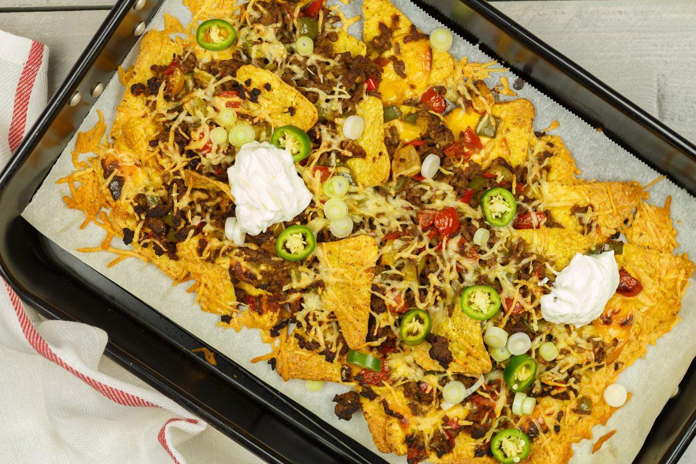 Top Nacho's met kaas uit de oven! - Borrelhapjes recept | SmaakMenutie &TB93