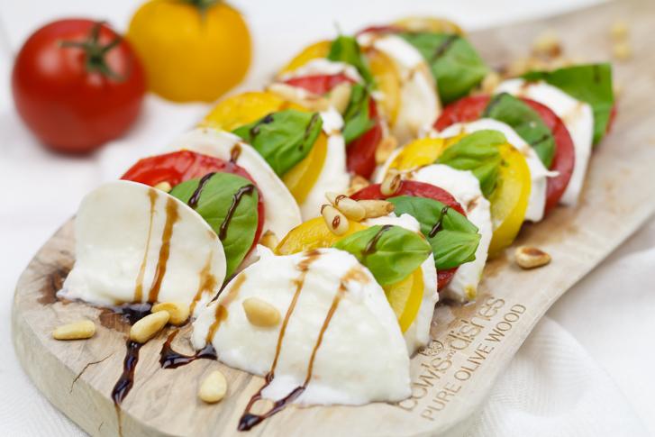 Salade caprese maken