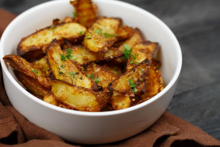 Ovenfrietjes met Parmezaanse kaas en kruiden