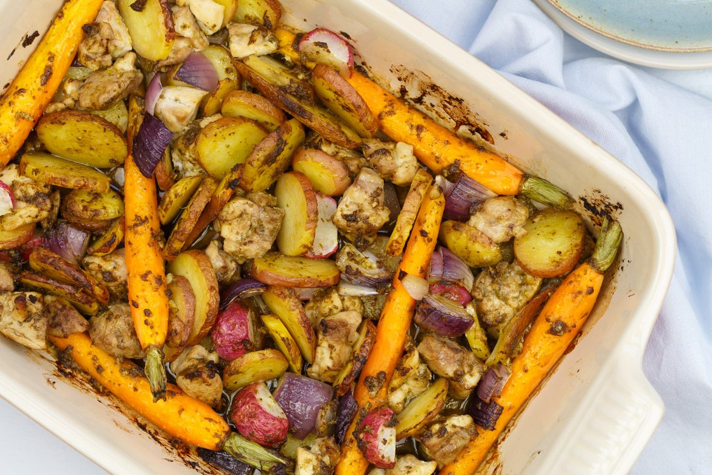 Mmm! Ovenschotel kip pesto met wortels en aardappeltjes