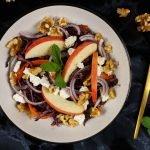 Rode koolsalade met appel en geitenkaas