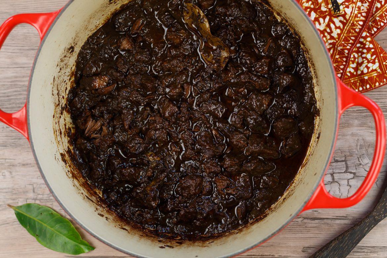 daging smoor (gestoofd rundvlees in ketjap) - erik's asia | smaakmenutie