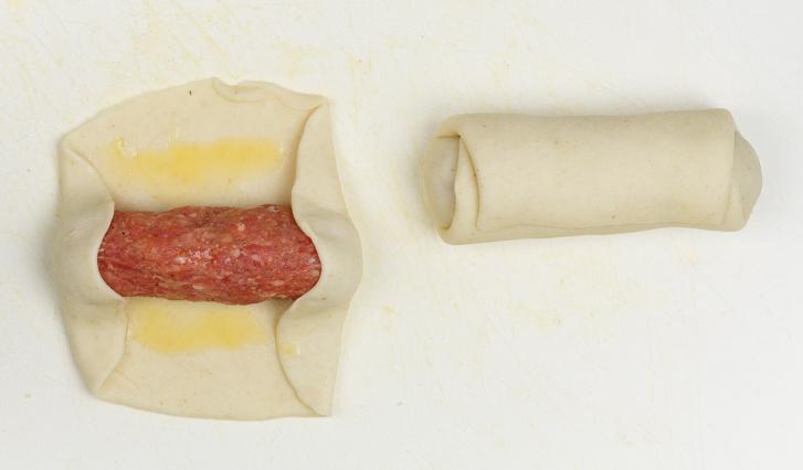Brabants worstenbroodje maken