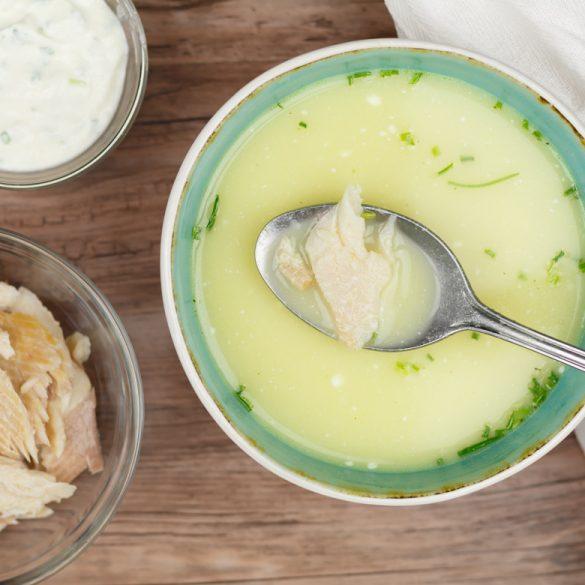 Knolselderijsoep met mierikswortel en forel