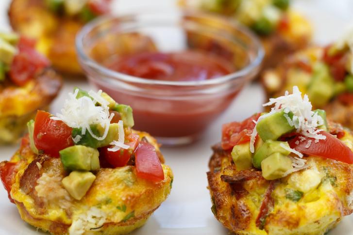Ontbijtmuffins met ei, ham en kaas