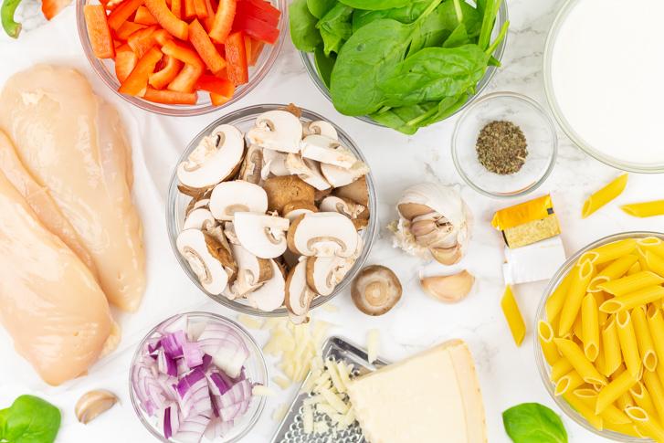 Pasta met kip en champignons in roomsaus recept