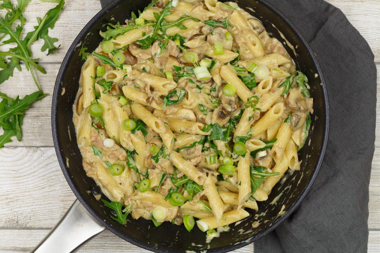 Pasta met tonijn in champignonroomsaus