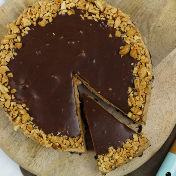 Tony's Chocolonely pindakaas cheesecake