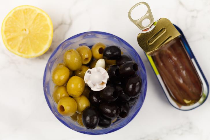 Ingrediënten olijventapenade maken