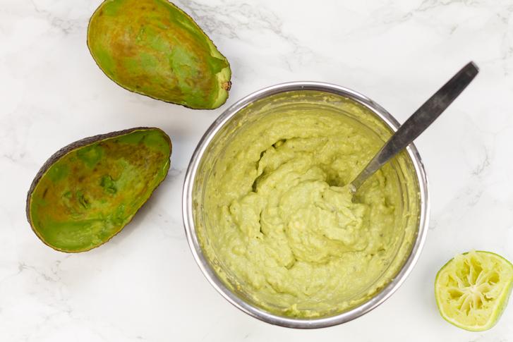 Avocadopesto voor courgetti