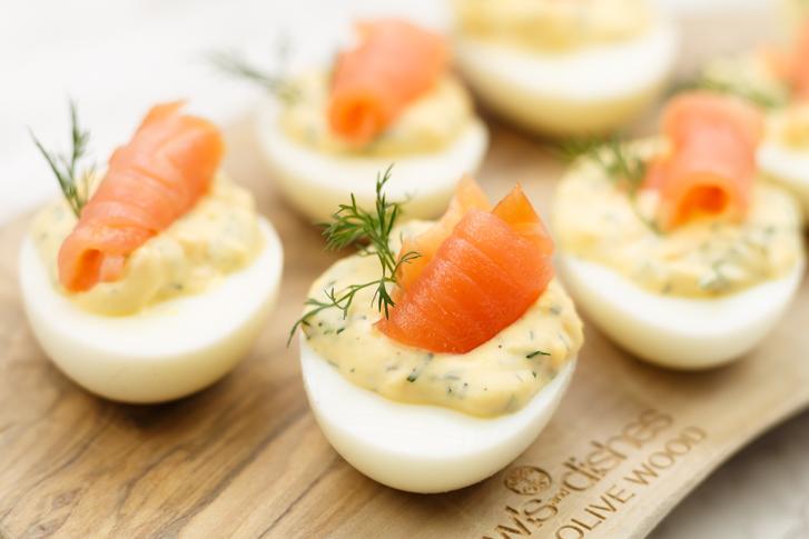 Gevulde eieren met zalm recept