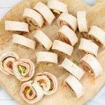 Italiaanse wraprolletjes met salami en kaas