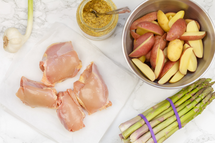 Ingrediënten eenpansgerecht kip in honing-mosterdsaus