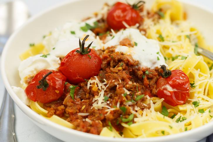 Pasta Bolognese met chorizo en buffelmozzarella