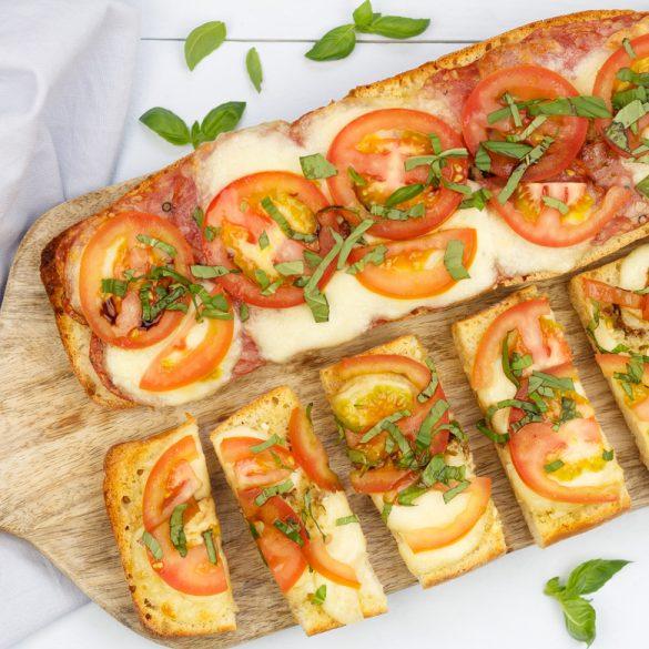 Pizzabrood caprese en salami