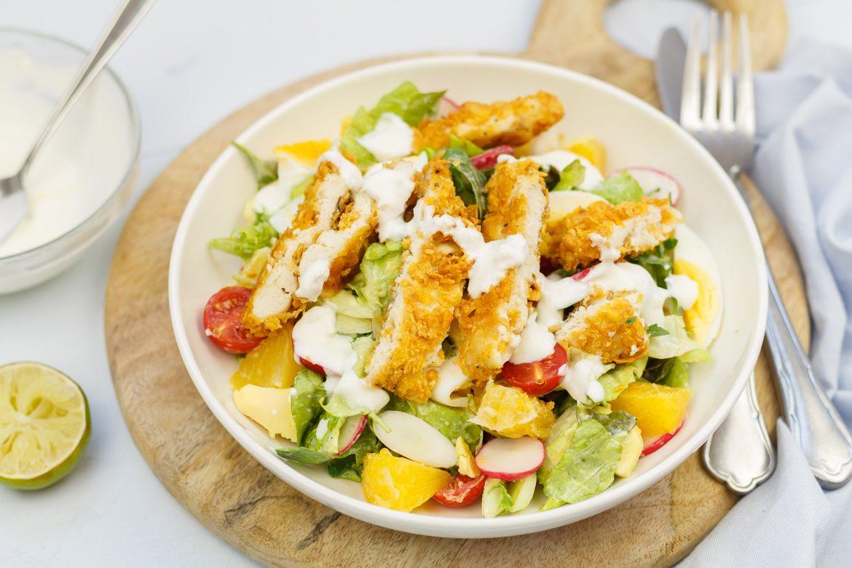 Verbazingwekkend Salade met krokante kip en yoghurtdressing | SmaakMenutie VB-66