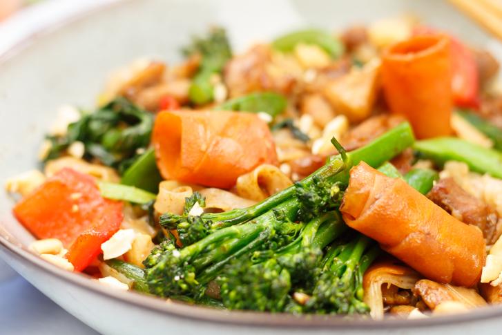 Oosterse groente met kip