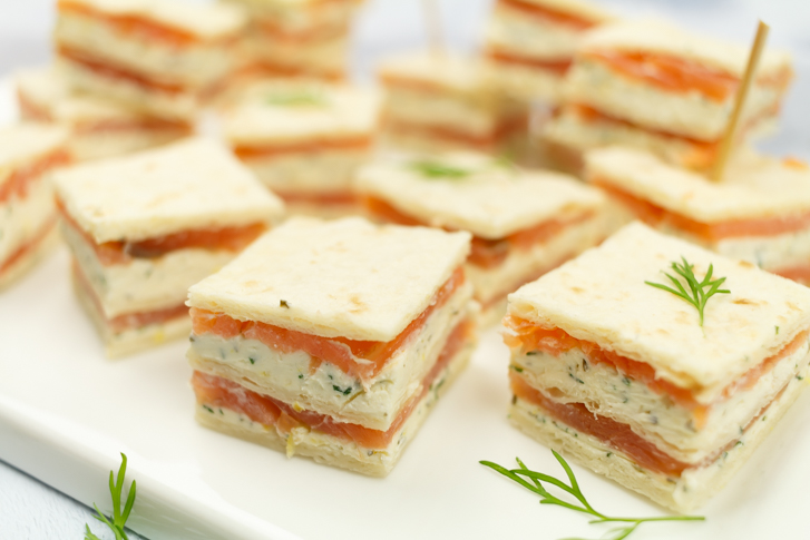 Mini sandwich gerookte zalm