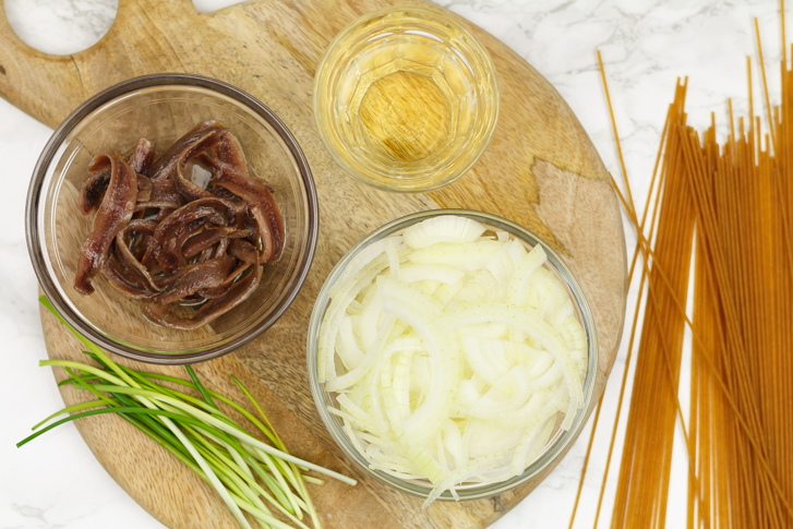 Bigoli in salsa ingrediënten