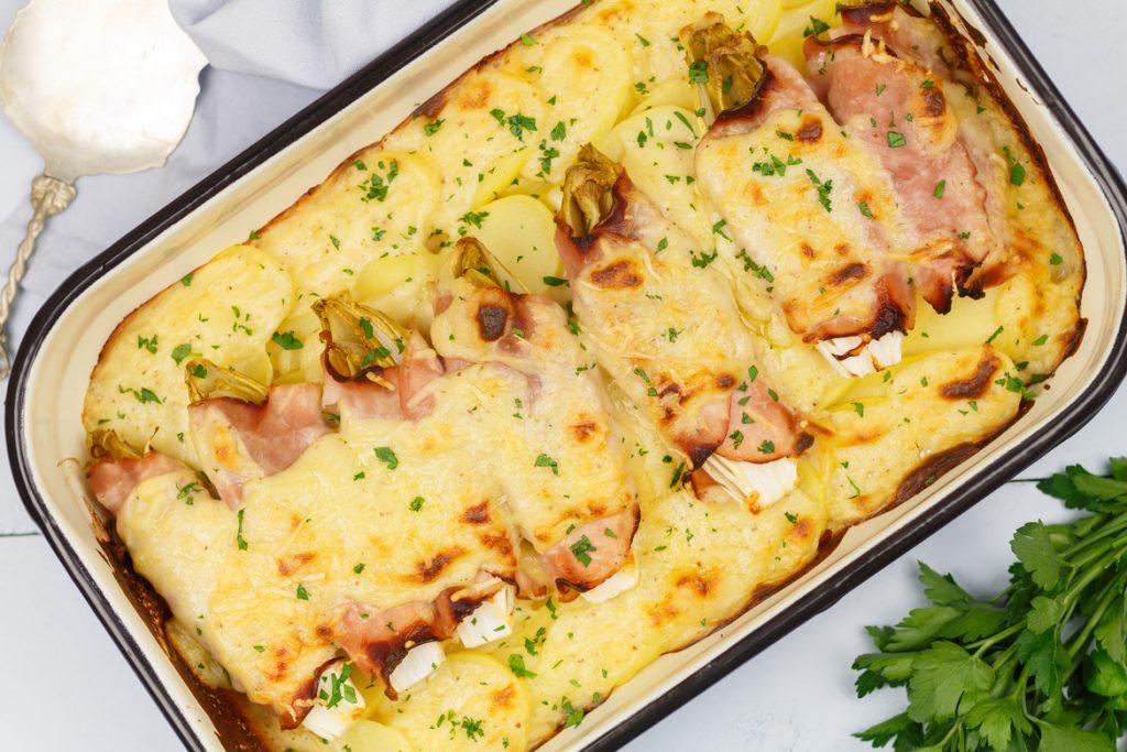 Witlofschotel met ham en kaas-mosterdsaus