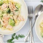 Pasta met broccoli en zalm in dille-roomsaus