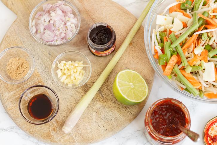 Ingrediënten sambal goreng groenten