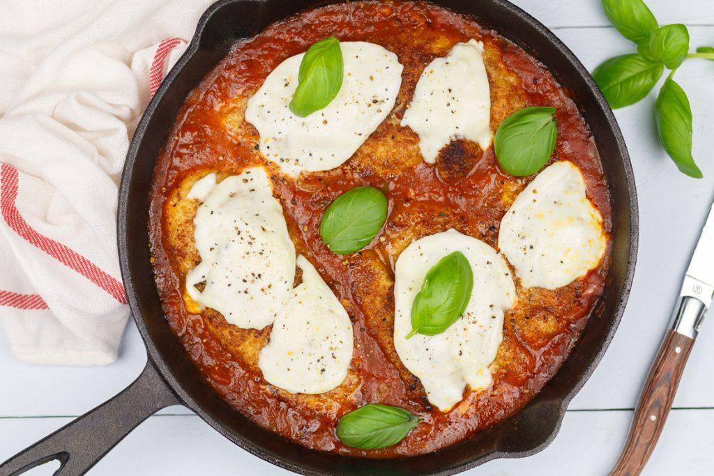 Kip Parmezaan in tomatensaus