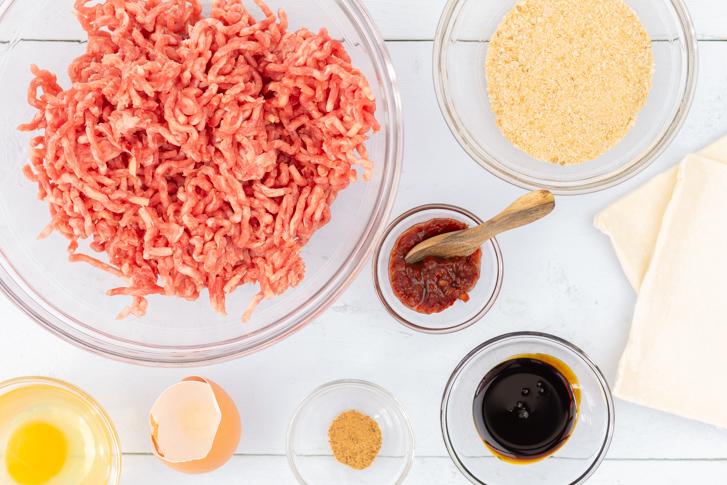 Indische saucijzenbroodjes recept